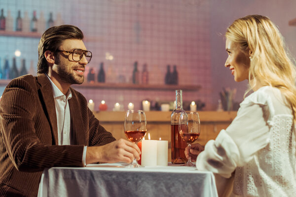 Tänk på vilka möbler du har i din restaurang.